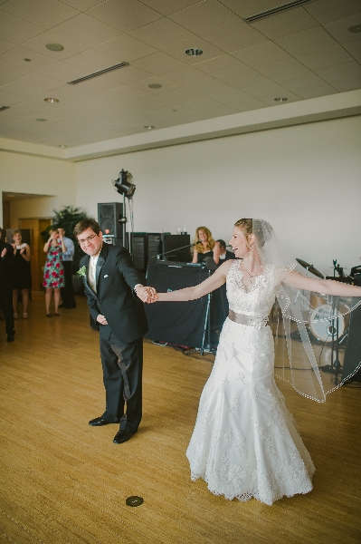 The bride and groom\'s first dance at their Phipps Conservatory, Pittsburgh Wedding.
