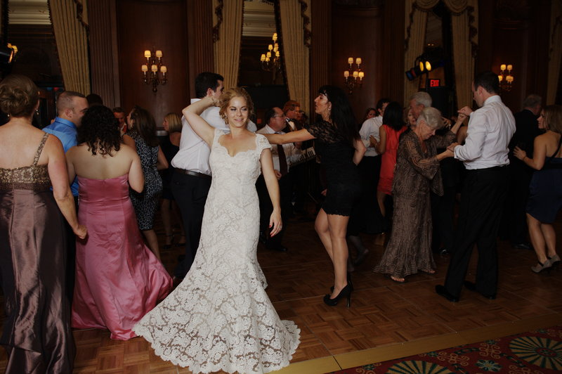 duquesne_club_bride_and_guests