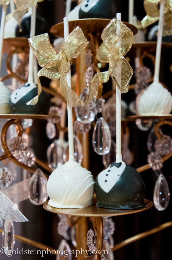 Fairmont Hotel Pittsburgh Wedding Reception: Dainty Cake Balls