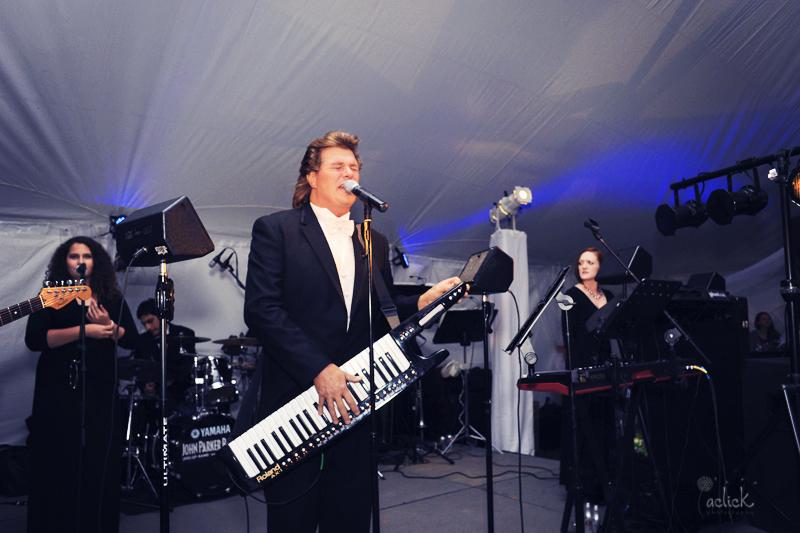 The Links Wedding John Parker Singing During Reception