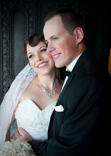 Carnegie Music Hall Pittsburgh Wedding: Newlyweds with Vintage Style