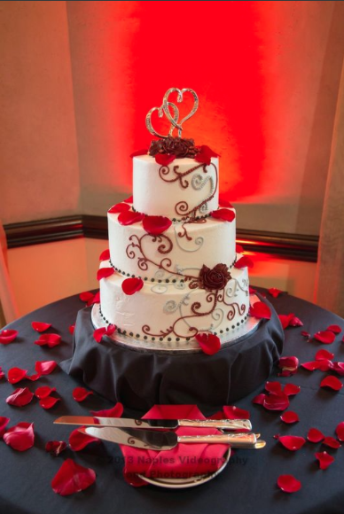 Golf Lodge at the Quarry Wedding Reception: 3-Tier Wedding Cake with Flower Petals