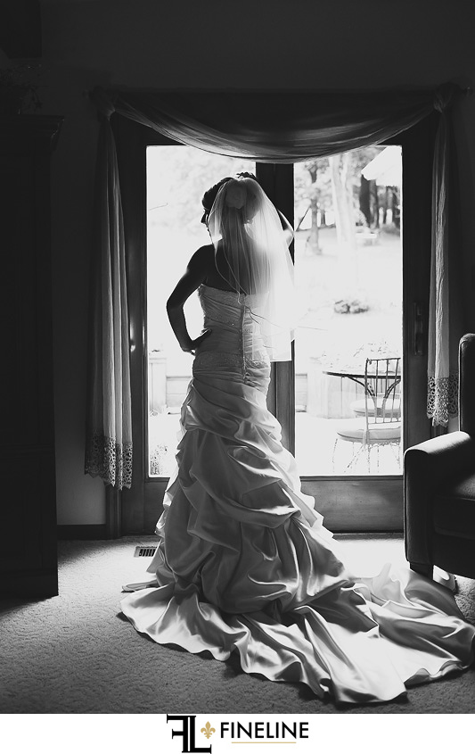 Greensburg Country Club Wedding: Bride in Ruffled Mermaid Gown