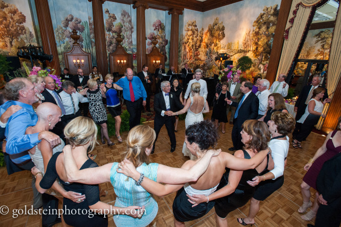 uquesne Club Pittsburgh Wedding Reception - Bride and Groom in Center of Circle