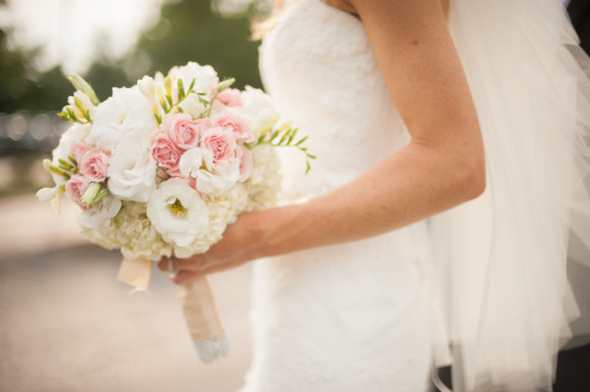The Club at Nevillewood Pittsburgh Wedding: Bride's Peony and Rose Bouquet