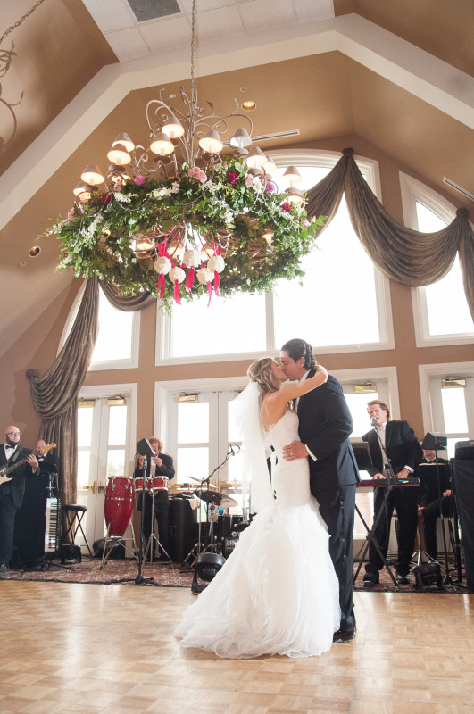 The Club at Nevillewood Pittsburgh Wedding Reception: Newlyweds Dance With Band