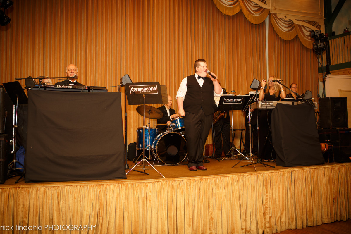 Casino at Lakemont Park Wedding Reception: First Class Wedding Band