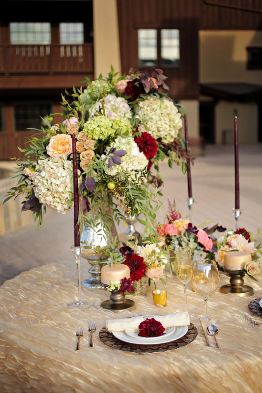 Hilton Garden Inn Southpointe Wedding Reception: Green, White, and Pink Flowers