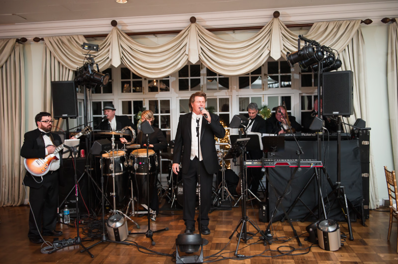 Longue Vue Club Pittsburgh Wedding Reception: John Parker Band Playing for Crowd