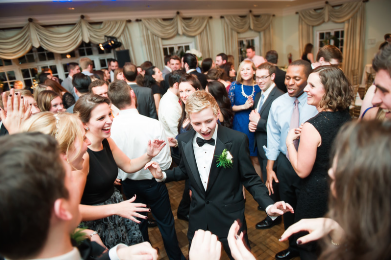 Longue Vue Club Pittsburgh Wedding Reception: Guests Boogie to Band