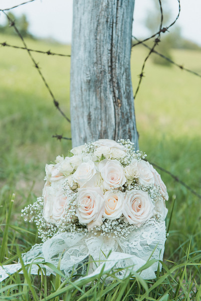 Hilton Garden Inn Southpointe Wedding: White Rose and Taffeta Bouquet