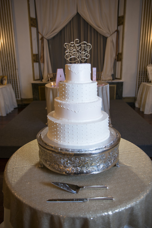George Washington Hotel Pittsburgh White Polka Dot Wedding Cake