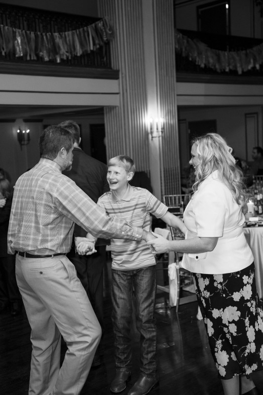 George Washington Hotel Pittsburgh Wedding Guests Dancing