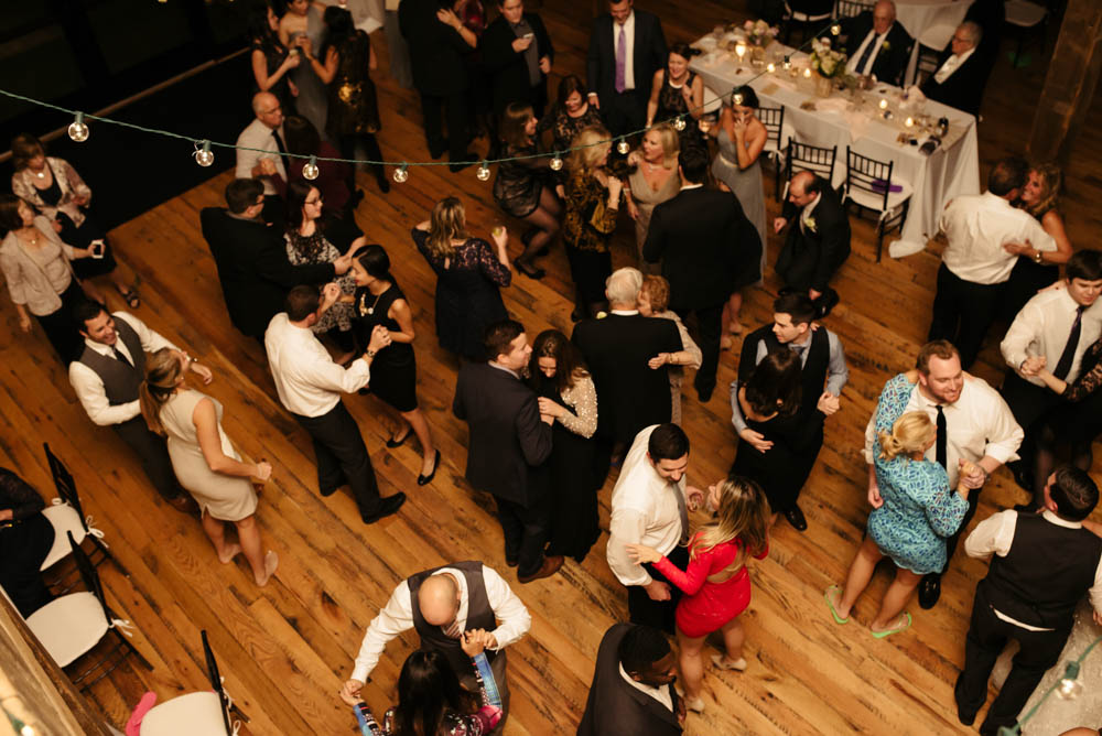 prospect-pa-white-barn-rustic-reception-live-band-guests-dancing