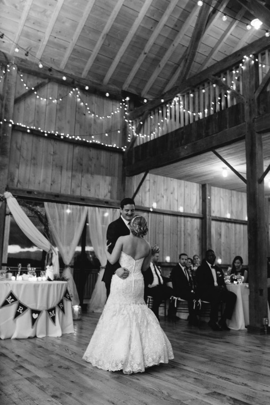 Pittsburgh White Barn Wedding First Dance Dreamscape Live Band