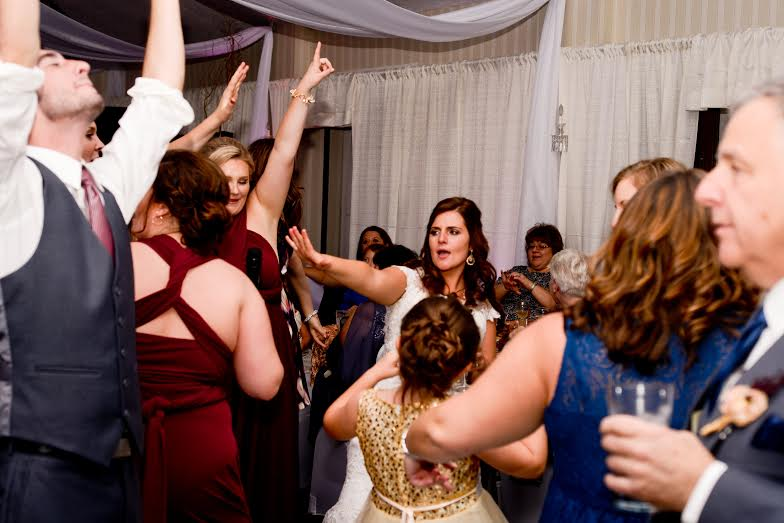 Parkersburg Country Club West Virginia Wedding Fun Dancing