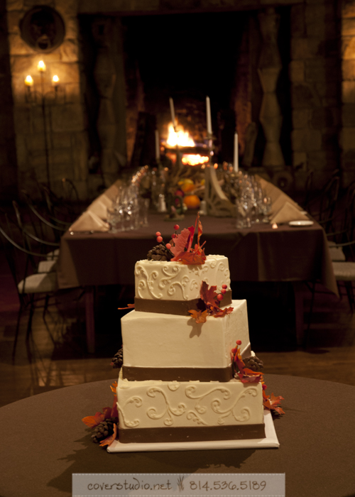 Green Gables Restaurant Pittsburgh Wedding White Cake