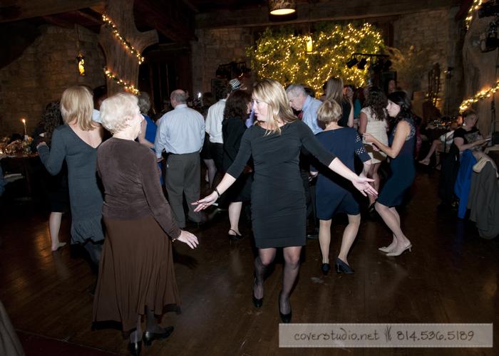Green Gables Restaurant Pittsburgh Wedding Guests Dancing
