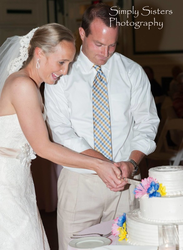 Memorial Hall Pittsburgh Wedding Cut the Cake