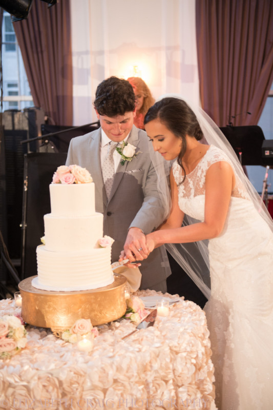 University Club Pittsburgh Wedding Bride and Groom Cake Cutting